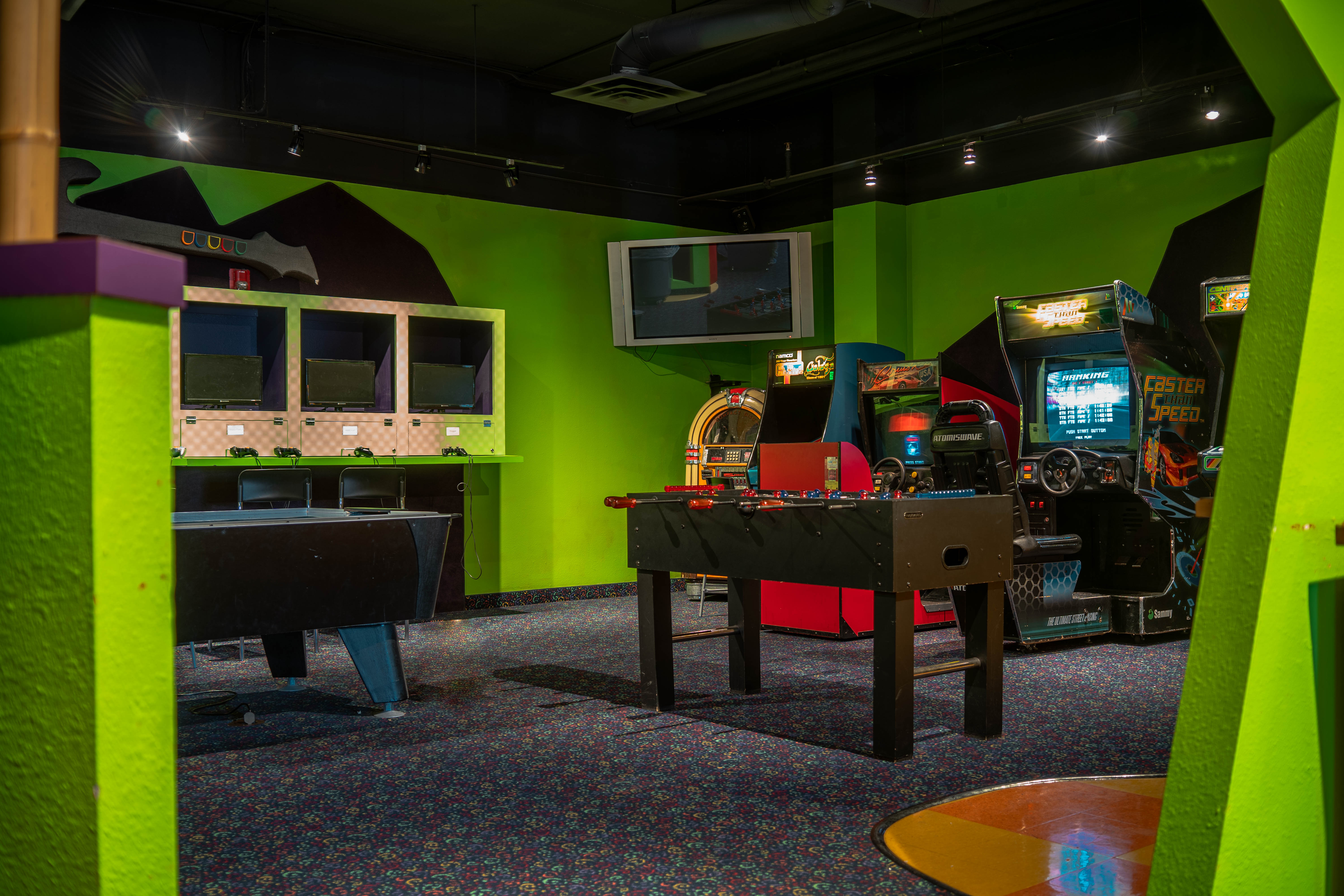 Game Room (1 of 1)